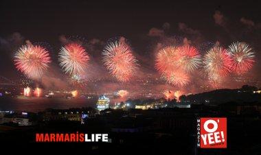 İstanbul 29 Ekim'i Karnavala Çevirdi!