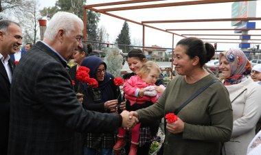 Başkan Gürün, Beyobası'nda çiçeklerle karşılandı