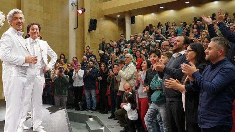 Behzat Uygur Tiyatro'nun Basamak Kullanılmasına Üzülüyorum