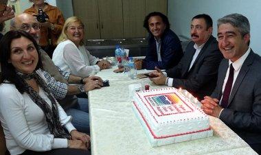 Marmaris Belediye Başkanı Mehmet Oktay'a sürpriz doğum günü düzenlendi.