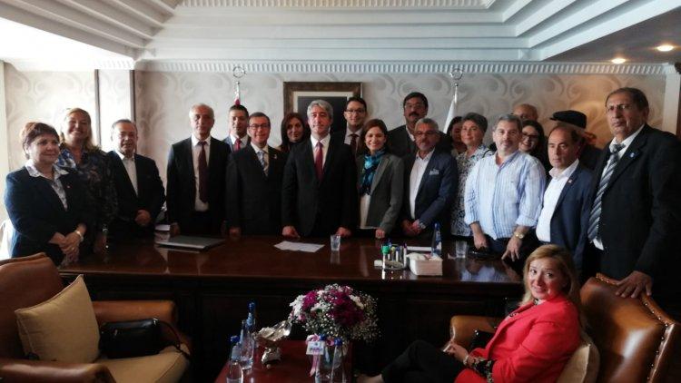 Marmaris Belediye Başkanı Mehmet Oktay Mazbatasını Aldı