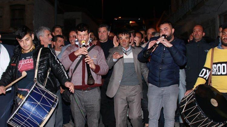 Mehmet Kocadon'a Kavaklıdere'de Davullu Zurnalı Karşılama
