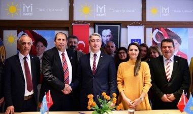 Mehmet Oktay'dan İYİ Partiye Ziyaret