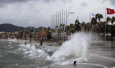 Meteoroloji Genel Müdürlüğünden yapılan yazılı açıklamaya göre bugün ve yarın Marmaris'te şiddetli yağış bekleniyor.