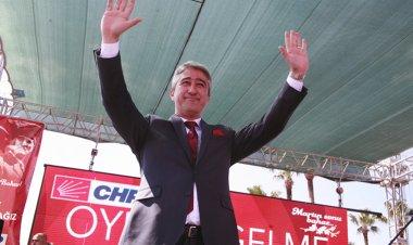 Resmi olmayan sonuçlara göre yüzde 45,66 oranında ve 19,959 oy alan Mehmet Oktay önümüzdeki günlerde mazbatasını alarak göreve başlayacak.